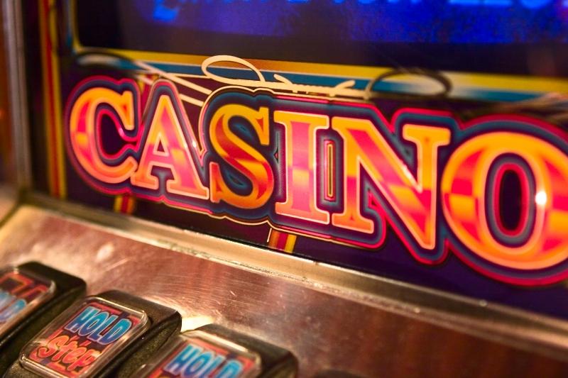 199292-slot-machine-detail (1)